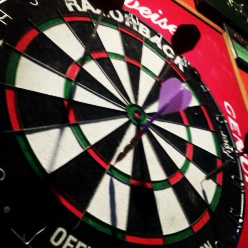 Now I'm feelin' athletic.. Bullseye @sierhaha  (at Lynaughs Irish Pub)
