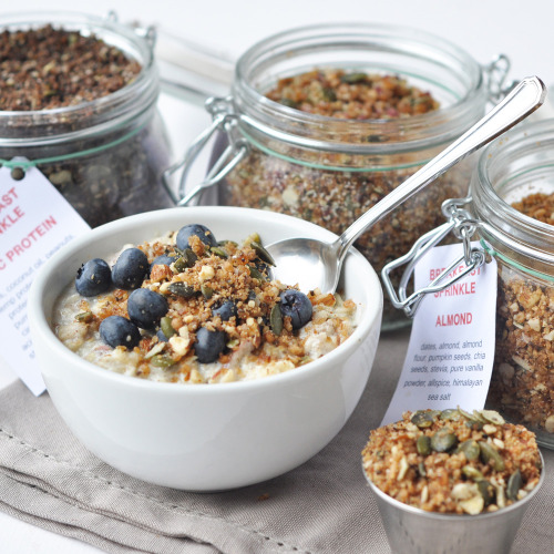 findvegan:  Breakfast boost sprinkle  Looks like my kinda breakfast - presently I'm eating a chia sprinkle with ginger - delish