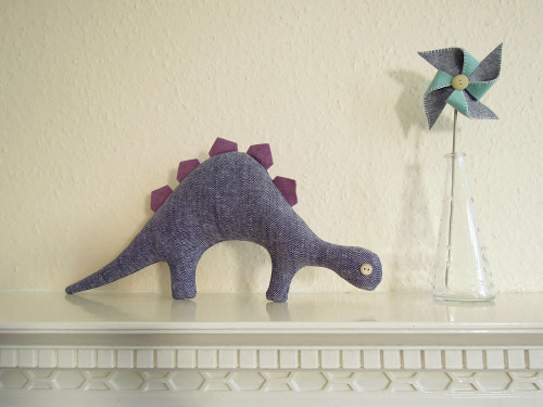 Navy blue chevron dinosaur (by GeorginaGiles)