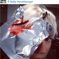 Someone's getting bloody @meta_porter #metprep #regram #blood #platinum #white #prettyinpunk #bloodred #metball #paintedbyme #auracolorist  (at Sally Hershberger Downtown )