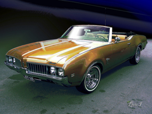Oldsmobile Cutlass Convertible 1969 by Pjotr I on Flickr.
