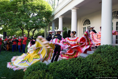 whitehouse:   Happy Cinco de Mayo!  My Anniversary