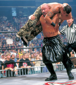 fishbulbsuplex:  Perry Saturn vs. Rey Mysterio Jr.