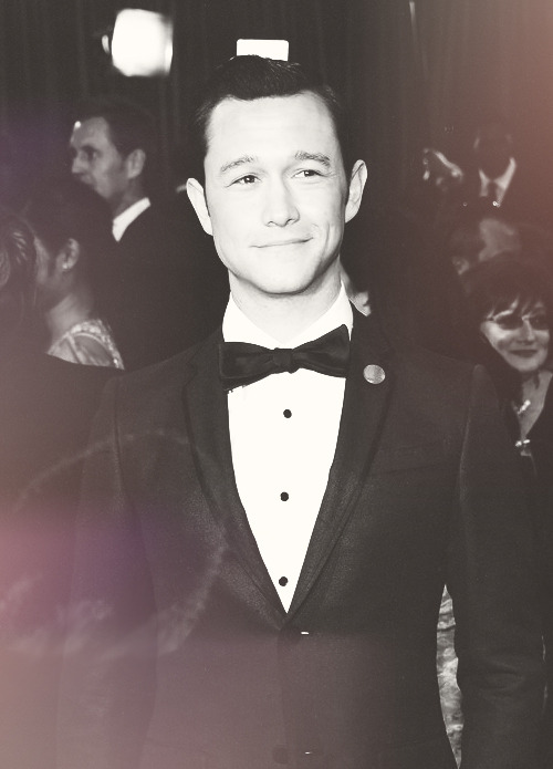 Joseph G-Levitt at the  85th Annual Academy Awards  WHY IS HE SO PERFECT?