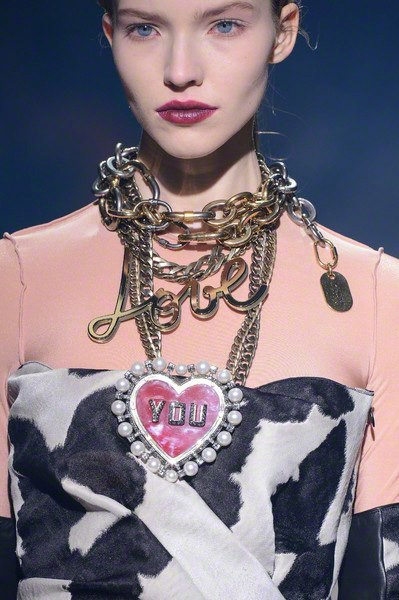 We LOVE the accessories at Lanvin's Paris catwalkshow…..