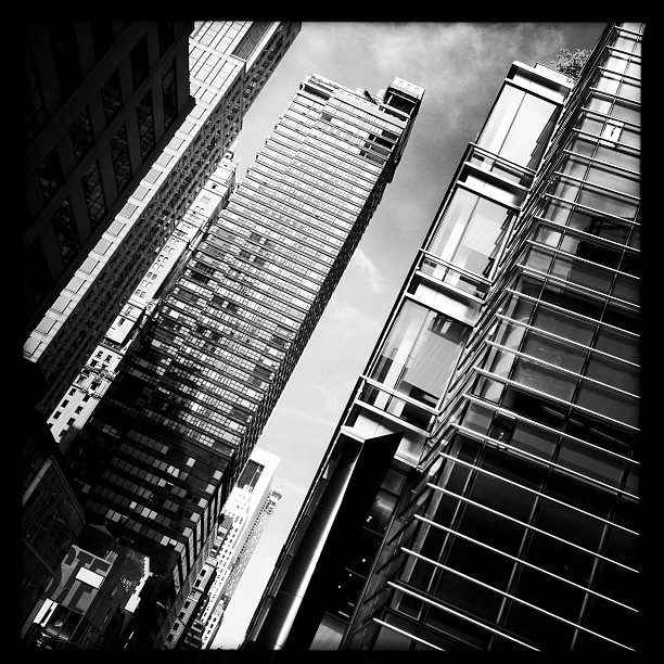 58th Street View (iP5) #nyc #skyscrapers #architecture #skyline #cityscape #city #gotham #blackandwhite #instagood #phototag_it #instamood #design #style  (at One Beacon Court)