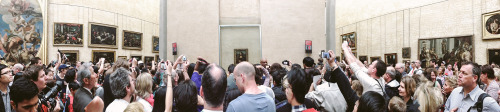 chrismuccioli:    The Mona Lisa, Musee du Louvre. Paris, France. From my trip a couple weeks back.
