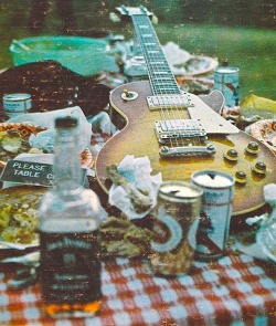 diegomeister:  guitar-booze-food-repeat