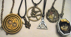 junkofmyheart3:  necklaces | Tumblr on We Heart It - http://weheartit.com/entry/61429844/via/laura_zebisch_9 Hearted from: http://www.tumblr.com/tagged/necklaces