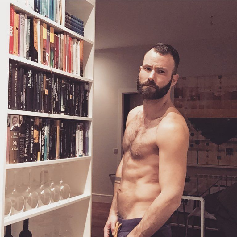 2018-06-04 05:21:35 - home sweet home beard bearded barba barbudo beardburnme http://www.neofic.com