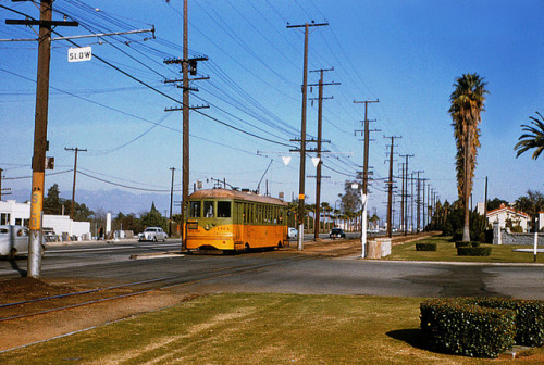 009 - MTA 5 Line Car 1414 Southbound At Inglewood Park Cem. 19541215 on Flickr. Photographer: Alan Weeks Los Angeles Transit Lines streetcar no.1414 southbound at Inglewood Park Cemetery. December 12, 1954.