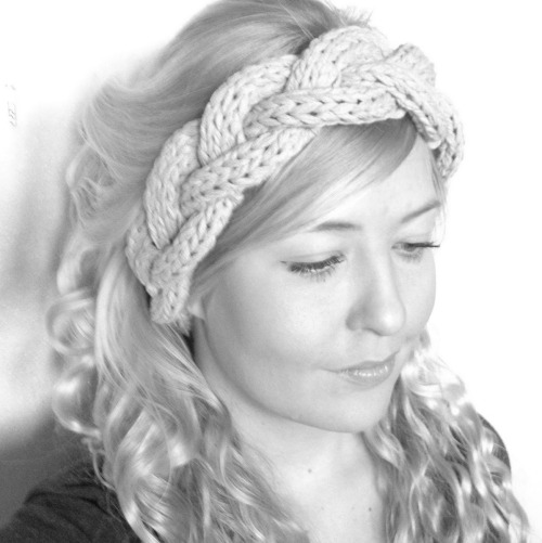 DIY Three Strand Knit Cable Headband Tutorial from Concreate here. This is a clear how-to cable tutorial using 8mm or US 11 needles and she tripled the yarn (instead of one strand she used three while knitting). *For lots more knitting projects (including more headbands) go here: http://truebluemeandyou.tumblr.com/tagged/knitting