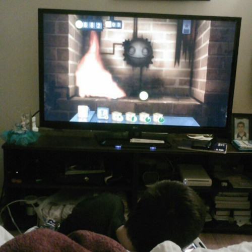 Because playing with real fire is too mainstream #WiiU #LittleInferno #Gamer #GamePad #TV