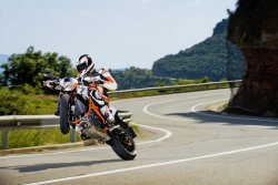 KTM Duke wheelie