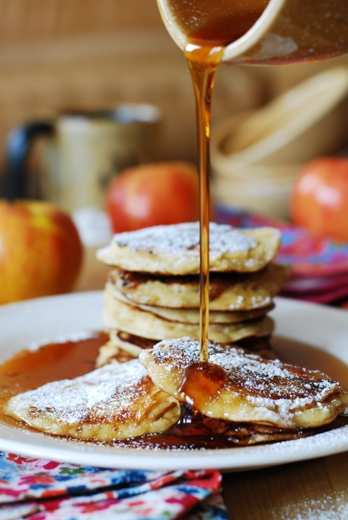 efccooking:  Apple cinnamon yogurt pancakes  sure