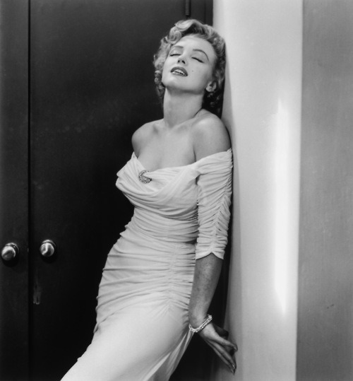Marilyn Monroe, 1952, photo by Philippe Halsman for LIFE magazine via honey-rider