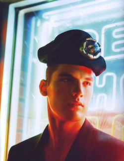 "alasdair-mclellan:  Pop Fall 2008""Bright Lights, Big City""Model: Kerry DegmanStylist: Olivier Rizzo"