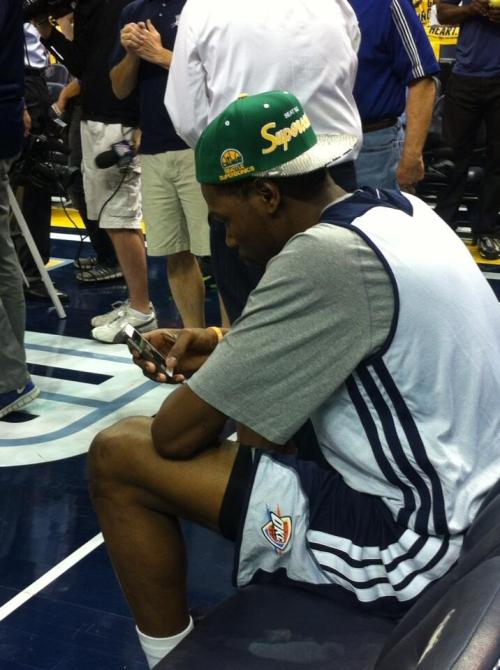 KD rocking the Sonics hat today.  via @DarnellMayberry