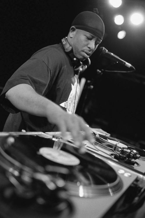 moneylikemariah:  thoughts-of-a-hip-hop-junkie:  DJ Premier Happy Born Day to one of my favorite DJs & Producers…  Prem!!