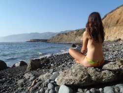 big sur, ca winters-summer-home is one of my favorite tumblrs.  I'm so thankful she's taken the time to contribute this sea gazing photo.