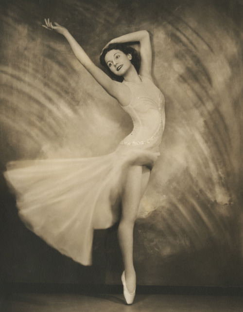 maudelynn:  Stunning Portrait of Ballerina Joyce Cole by Nikolas Muray