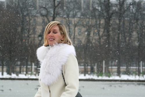 Jane Keltner De Valle under snow in Paris