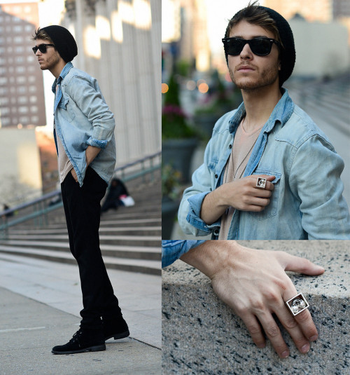 lookbookdotnu:  Skull hearts  (by Adam Gallagher)