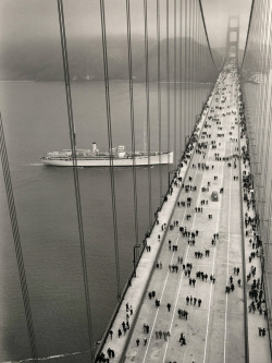 cations:  The Golden Gate Bridge opened on May 27, 1937, linking Marin to San Francisco. Pedestrians had the bridge to themselves on opening day. The next day, cars started crossing.