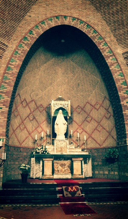 allaboutmary:  The Lady altar in the church of Our Lady of Lourdes in Bergen op Zoom, the Netherlands.  Bergen op Zoom