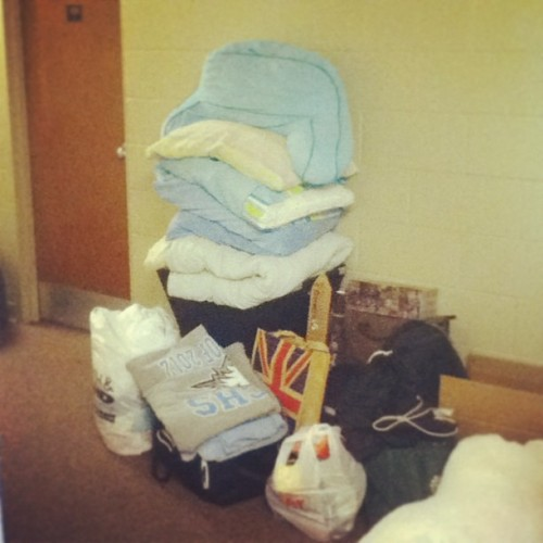 a year of college piled in the hallway. goodbye eldersveld 121! you've been good to me.