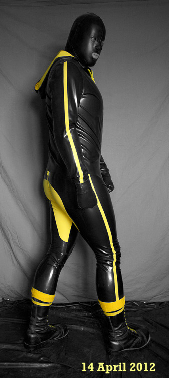 Me as rubber piss skin - off to find a victim…