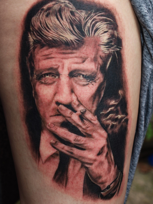 David Lynch portrait from last summer. Now part of a Twin Peaks (half) legsleeve I'm finishing up.