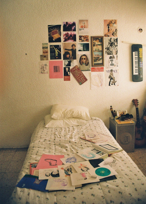 wild-nirvana:  •my spiritual world•  I want this as my bedroom