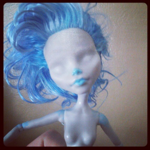 Ghoulia repaint so far. All my acrylics were dried up except for my blue lol (at Mi Casa)