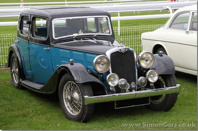 DIESELPUNK 1935 Triumph Gloria Six Saloon. Coventry Climax 1996 cc of 15.72 Hp. Twin Carb version powered Gloria Vitesse. Found HERE