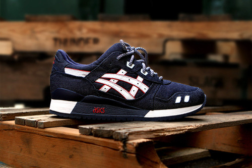 "Ronnie Fieg x Asics Gel Lyte III ""Selvedge""  Some of you might of caught the preview the other day but here we have the official photos of Ronnie Fieg and Asics collaboration on the much loved Gel Lyte III. Fieg seems to be able to nail everything perfectly, here we see the classic silhouette in a denim. The upper consists of a dark indigo denim with white and red to break it up with a bit of contrast, completing it with the blue and white laces.  Release date is the 14th December at 11:00AM in store at Kith and via their online store."