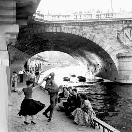 blackpicture:  Paul Almásy Rock 'n' Roll sur les Quais de Paris (1950)