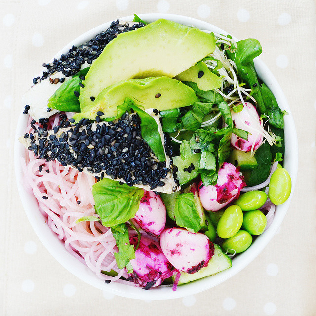 veganfoodforyoureyes:  lunch bowl. by the_indigo_blue on Flickr.