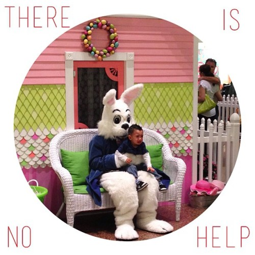 Best entertainment ever! 🐇👶📷 #easter #bunny #creepy #help #mallpictures #children #crying #lol  (at Brea Mall)
