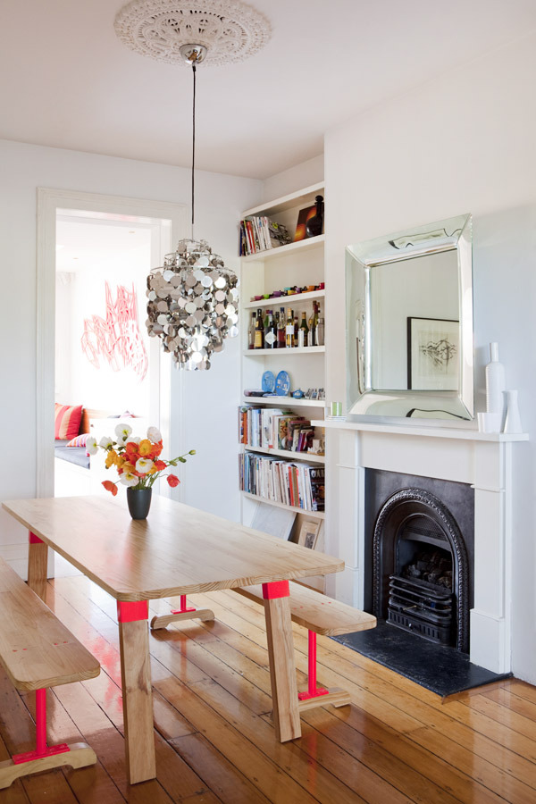 homeandinteriors:  The Surry Hills home of Nicola and Orlando Reindorf of The Standard Store  Vaya comedor más llamativo…