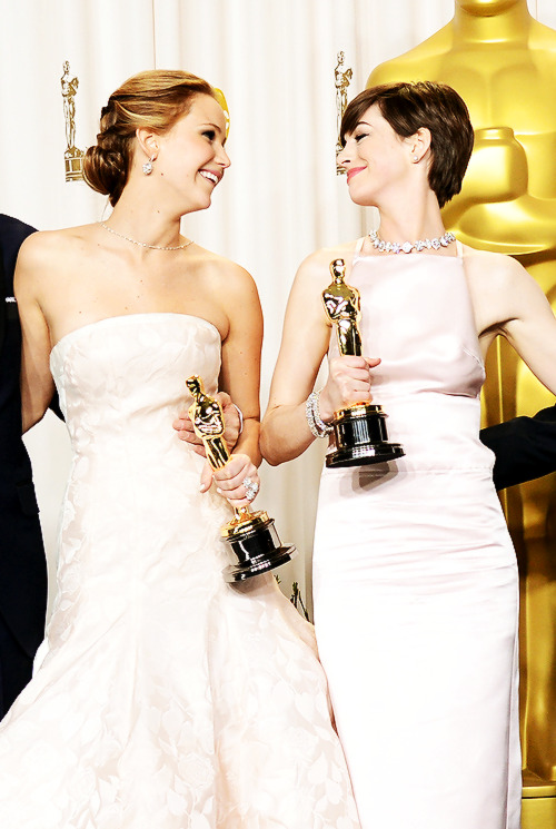 Jennifer Lawrence and Anne Hathaway in the Oscars Press Room