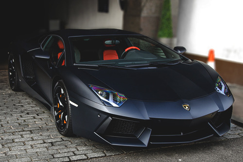 johnny-escobar:  Matte Black Aventador