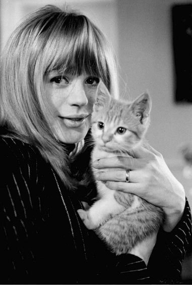 Marianne Faithfull & Kitten.