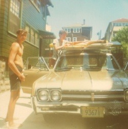 hippist:  tjssurfshop:  Surf trip '60s  love the low quality