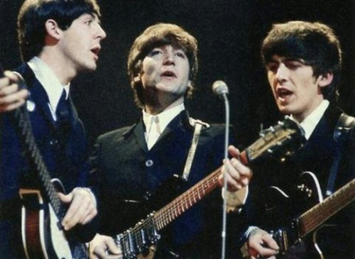 theswinginsixties:  Beatles in action.