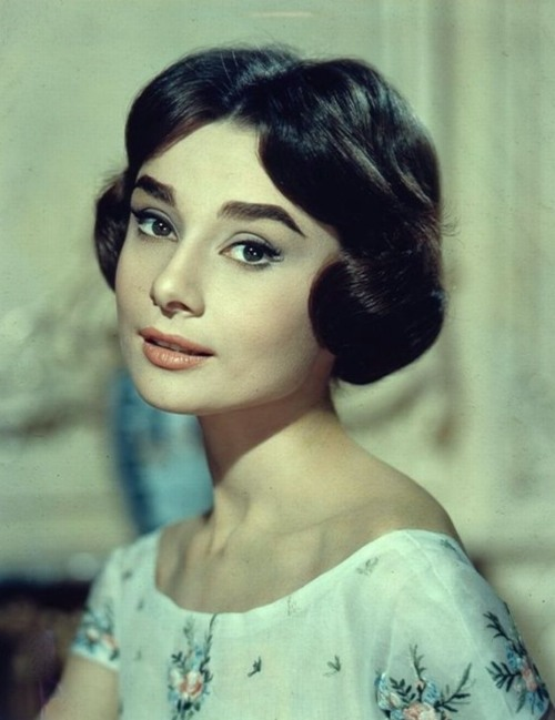 inlovewithaudreyhepburn:  Audrey Hepburn for Love in the Afternoon