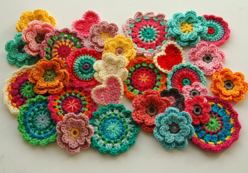 Beautiful crochet, so colourfull cajunmama:   (by AnnieDesign)