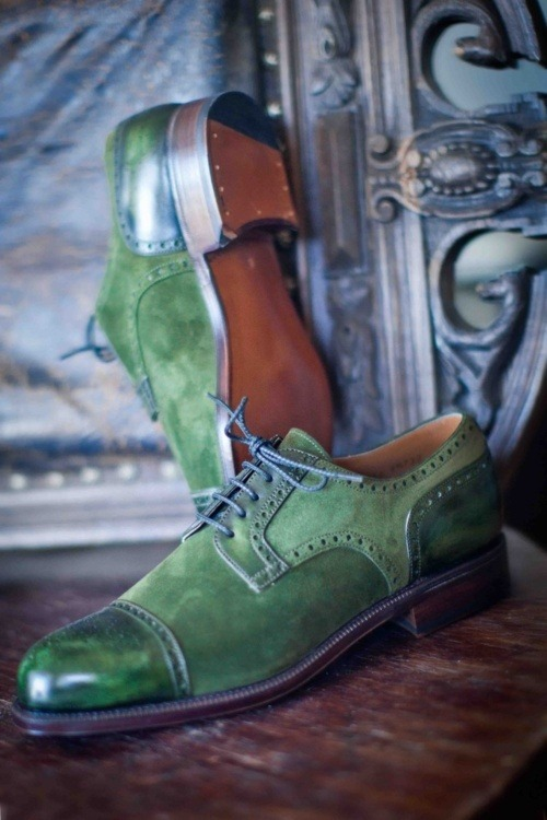 emerald shoes for the groom [pantone color of the year]