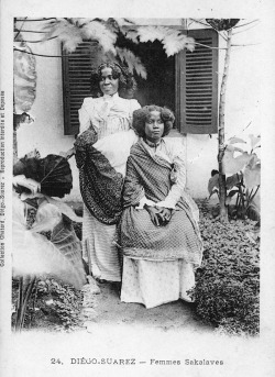 Femmes Sakalaves, c. 1905 [Source: Smithsonian Archives]