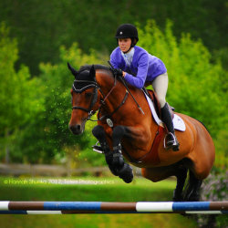hannahequusphotography:  Amelia Vernon & Tarnot showing in the 1.40m High Junior Jumpers at thunderbird show park. Image ©Hannah Shumka Photography 2012, Totem Photographics